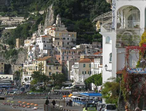 Maps of Amalfi Italy and Region